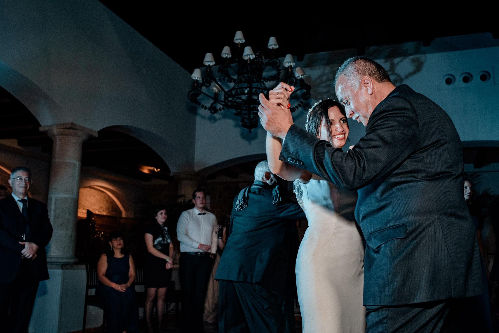 Boda en Ermita Virgen del Puerto - bailando con papá