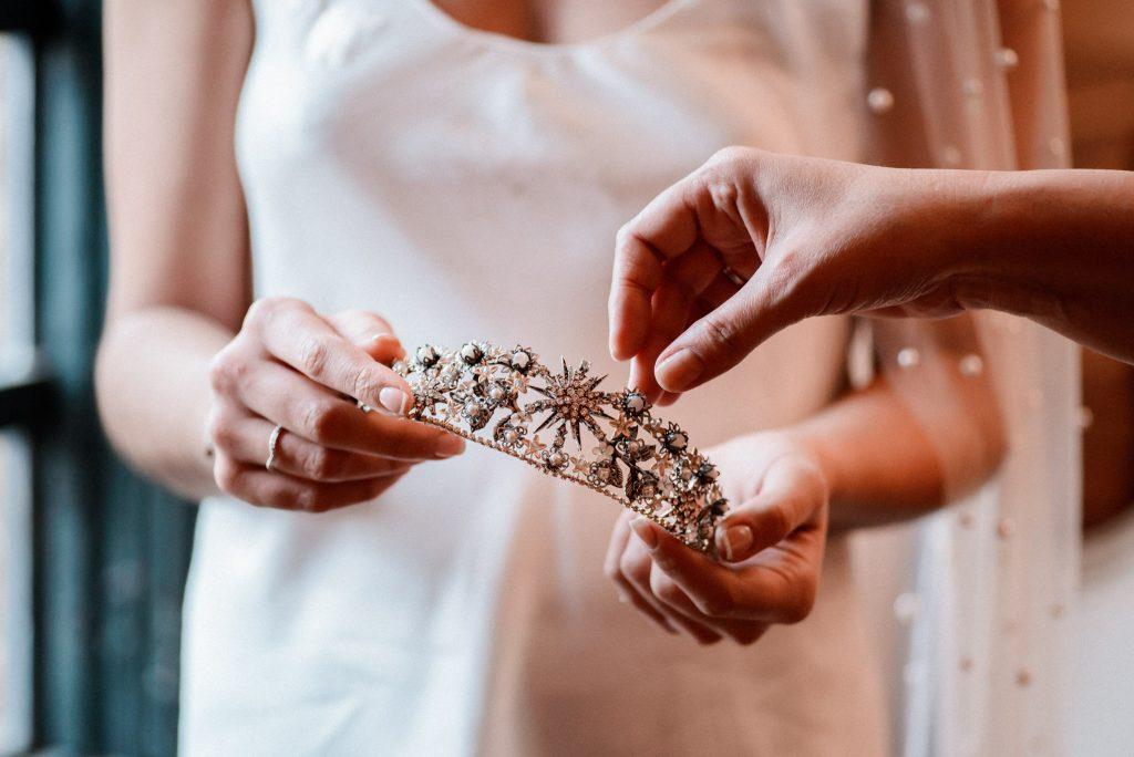 Entre cuentas y dedales tocados novia artesanos Madrid España
