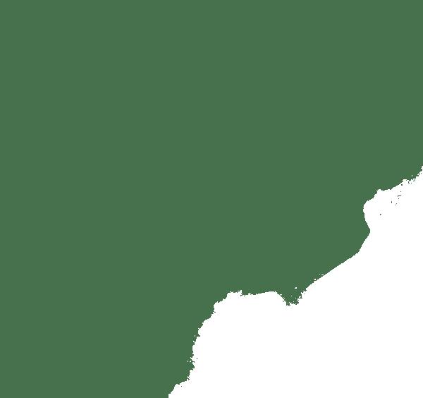 El cambio de titular: primer paso para el resto de las gestiones El primer trámite a realizar en vuestro nuevo hogar, para poder ejecutar después todos los demás, es hacer el cambio de titular de EDP, Endesa o cualquiera sea la empresa de servicios que brinde energía eléctrica a vuestro nuevo domicilio. El motivo de esto está justificado en que solamente el titular del contrato podrá dar de alta la luz, cambiar la potencia contratada o modificar las tarifas adquiridas. Además, será el titular del contrato el responsable del pago de los servicios ante las compañías comercializadoras. Por tanto, antes de comenzar una vida de casados felices, es necesario hacer el cambio de titular con Iberdrola, EDP o la empresa correspondientes. Si tienes dudas sobre este proceso, te recomiendo echar un vistazo a este artículo sobre el cambio de titular con EDP. Dar de alta la luz por primera vez: segundo paso para una vivienda óptima Antes de que hayas realizado el cambio de titular del contrato (ten en cuenta que este trámite puede llegar a tardar hasta tres semanas) es necesario dar de alta la luz con Endesa o Iberdrola (sólo en caso de que la vivienda no cuente con este preciado servicio) Para realizar este trámite tendréis que comunicaros con la empresa distribuidora de vuestra región. A cambio, el operador de la compañía os solicitará que le faciliteis la siguiente información para dar de alta la luz con Endesa o cualquier otra comercializadora: Datos completos del titular. Una cuenta bancaria para domiciliar los pagos del servicio. La dirección de la propiedad que desea dar de alta al servicio. La potencia que se desea contratar. El código de suministro de la vivienda. Otros trámites importantes que hay que realizar después de la boda Los trámites energéticos son sólo la punta del iceberg para las parejas que se van a casar, o simplemente quieren vivir juntos en una nueva vivienda. En este sentido, una vez se haya hecho el cambio de titular y se haya dado de alta la luz, podrá